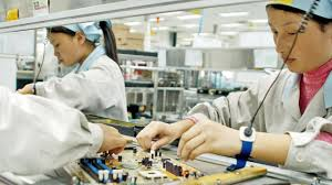 Factory Worker Job Description A Day In The Life Of An Iphone Factory Worker The Future Of Business
