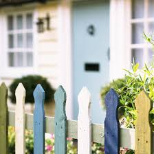gorgeous picket fences for your summer garden ideal home