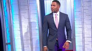 michael strahan new haircut michael strahan shows his fashion sense with a new line of men s