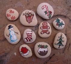 christmas painted stones u2026 pinteres u2026