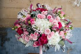 pink bouquet teardrop in white and pink bouquet wedding flower