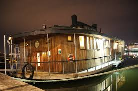 building a houseboat build a houseboat