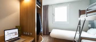 ma chambre a la forme d une cage hôtel pas cher la villette b b porte de la villette