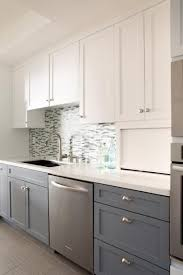 two toned kitchen cabinets best 25 two tone kitchen cabinets ideas