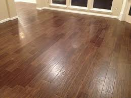 chic wood plank ceramic tile flooring tile that looks like wood