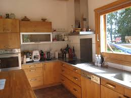 cuisine avec fenetre cuisine avec porte fenetre porte fen tre en verre tiroirs doux