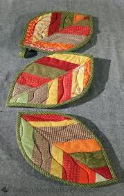 free patterns quilted potholders buttons and butterflies quilted leaf potholders tutorial quilts