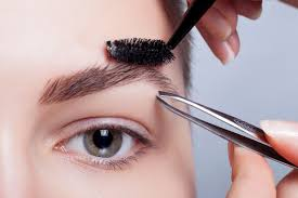 Eyebrow Threading Vs Waxing Go Through These Important Pointers On How To Arch Your Eyebrows