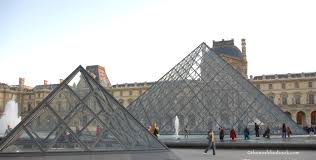 the louvre with kids a night with the mona lisa the world is a book