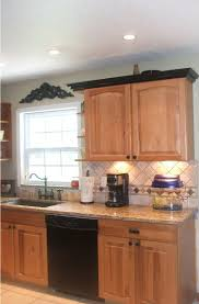 Crown Molding On Top Of Kitchen Cabinets Kitchen Cabinets With Crown Molding