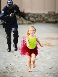 Girl Running Meme - run little girl run from police accidental ladies big olos