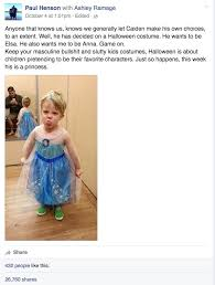 Queen Elsa Halloween Costume Internet Crazy Daddy Posted Son Wearing