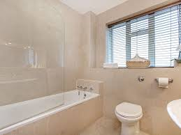 How Many Bathrooms In Buckingham Palace by Usd 2 Bedroom 2 Bath Across From The Royal Vrbo