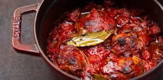 comment cuisiner des paupiettes de veau paupiettes de veau aux oignons et tomates facile recette sur