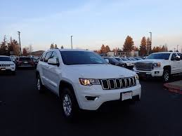 jeep grand cherokee laredo white jeep grand cherokee in bend or smolich chrysler jeep dodge ram