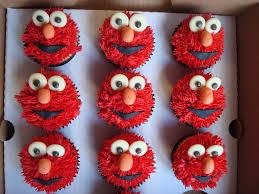 elmo cupcakes elmo cupcakes julie elliott flickr