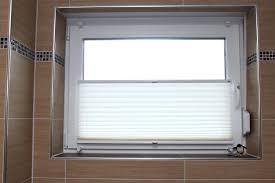 rollos f r badezimmer rollos fur dachfenster neu fa 1 4 r fenster ohne bohren badezimmer