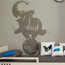 stickers elephant chambre bébé stickers chambre enfant elephant sur un ballon