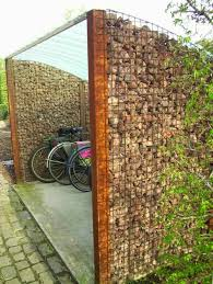 how to use the wall as garden fencing panels