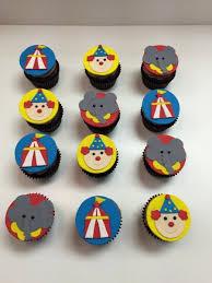 custom cupcake toppers custom cupcakes it cupcakery