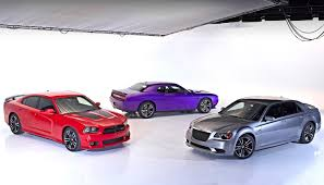 dodge charger vs challenger 2013 dodge challenger srt8 2013 dodge charger srt8 bee
