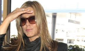 rachel haircut pictures gossip jennifer aniston thinks the rachel haircut is the