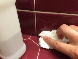 How To Clean Mildew In Bathroom Learn How To Re Caulk Your Bathroom How Tos Diy