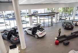 Television Repair San Antonio Texas Tesla Signs Lease For I 10 Showroom Its First In San Antonio