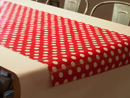 Holiday Table Runners by Paper Table Runners Zoom At Simple Elegant Diy Paper Rose Table