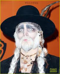 adam lambert gets spooky for halloween 2015 performance photo