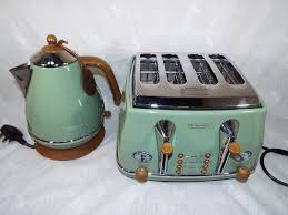 Green Kettles And Toasters Ex Display A Delonghi Icona Vintage Style Four Slice Toaster