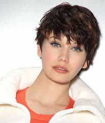 highlights in very short hair cute messy hairstyles for girls with round shaped face for very