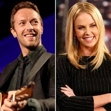 chris martin and gwyneth paltrow wedding chris martin wants to date charlize theron after his divorce from