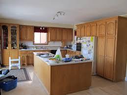 renover sa cuisine en chene armoires de cuisine en chêne nous les remettons a neuf rénover sa
