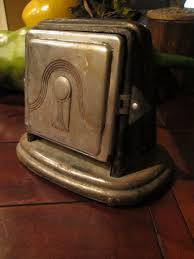 Burning Toaster 48 Best Antique Toasters Images On Pinterest Toasters Vintage