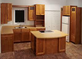 cuisine merisier cagn ébénisterie sur mesure cuisine en merisier avec portes