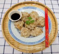 hakka cuisine recipes annielicious food hakka white radish meatballs 客家清蒸萝卜丸