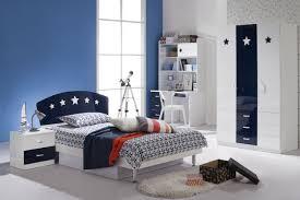chambre garcon bleu chambre enfant déco chambre ado couleurs murs bleu garçon accents