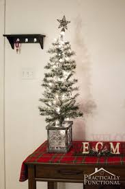 simple christmas entryway decor
