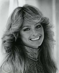 1970s hair shoulder length wavy hairstyle
