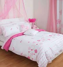 Pink Laminate Flooring Bedroom Awesome Pink And White Bedroom Decorating Ideas With