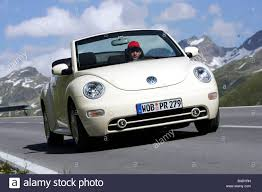 vw volkswagen beetle car vw volkswagen new beetle convertible model year 2003 creme