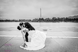 wedding photographers dc and groom washington d c reflecting pool