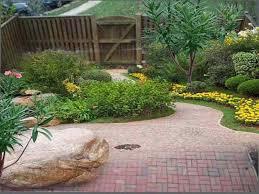 Backyard Garden Design Ideas Triyae Com U003d Landscaping Ideas For A Small Backyard Pictures
