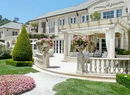 Lisa Vanderpump Home Decor Real Housewives Of Beverly Hills U0027 Lisa Vanderpump Sells Beverly