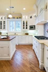 Kitchen With White Cabinets Puchatek - White cabinets kitchen