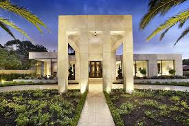 Luxury Melbourne Home With Pillared Entry And Interior Courtyards Luxury Homes Designs