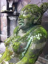 statues de jardin en pierre images gratuites roche monument statue vert jardin