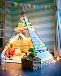 tipi pour chambre décoration de chambres d enfants une cabane dans la chambre