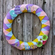 the pin junkie 15 diy spring wreaths